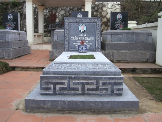 Mẫu mộ đá không mai đẹp từ Ninh Bình Stone - Mộ đá đơn giản