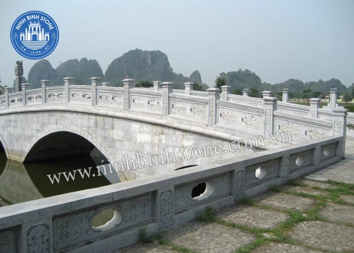 Lan can thân cầu đá- Ninh Bình Stone