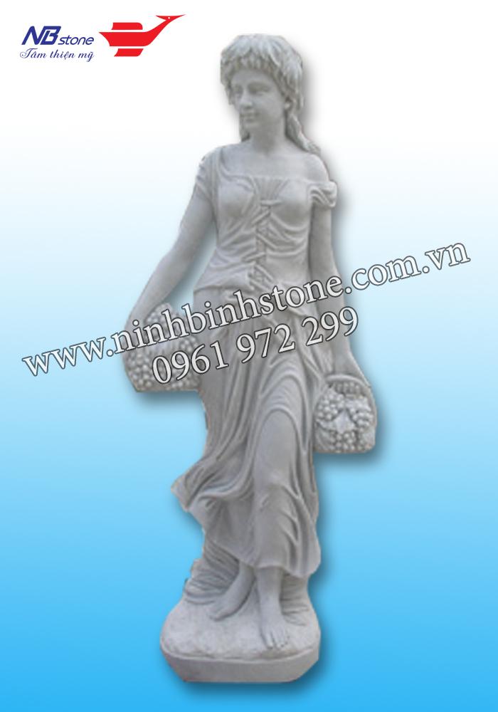 Tượng đá cô gái cầm giỏ của Ninh Bình Stone