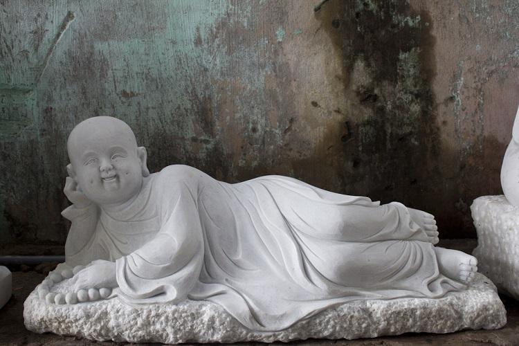 Những bức tượng chú tiểu bằng đá đẹp nhất 2019