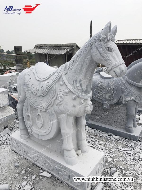 Top 5 mẫu ngựa đá hợp phong thủy 2020
