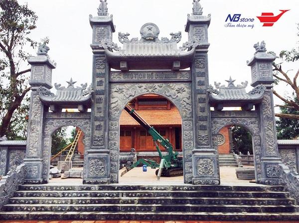 Cổng đá của Ninh Bình Stone