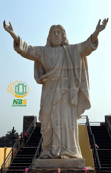 Sản phẩm tượng chúa đá của Ninh Bình Stone được khách hàng đánh giá cao