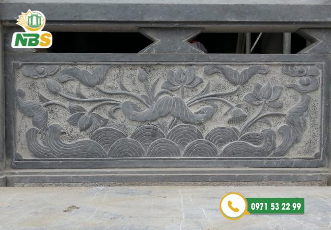 Lan can đá hoa sen rất gần gũi trong các kiến trúc đình chùa,...
